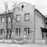 A képen az első tanácsháza (Fotó: Szathmáry-Király Ádámné)