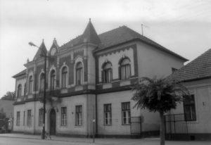 A sajószentpéteri városháza