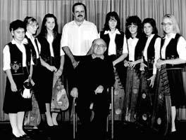 Jenei Károly tanítványainak egy csoportjával