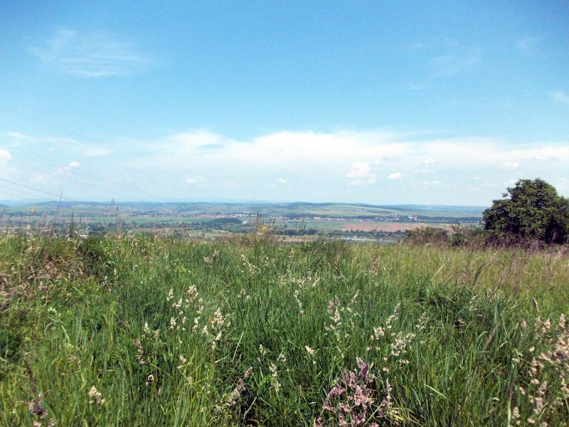 A dombtető és a Sajó-völgye. Bőven ellátni Edelényig! (Fotó: Kismartonné M. Viktória)