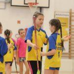 Kazincbarcikán mérkőztek meg egymással az ország legjobb iskolai floorballcsapatai – Pollackos lányok sikere