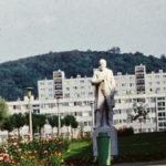 A szobrok városa alkotói: Antal Károly